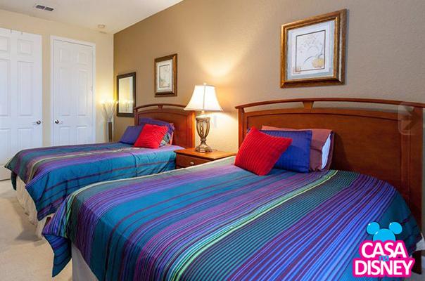 Turistas trocam diárias em hotel para alugar casa em Orlando