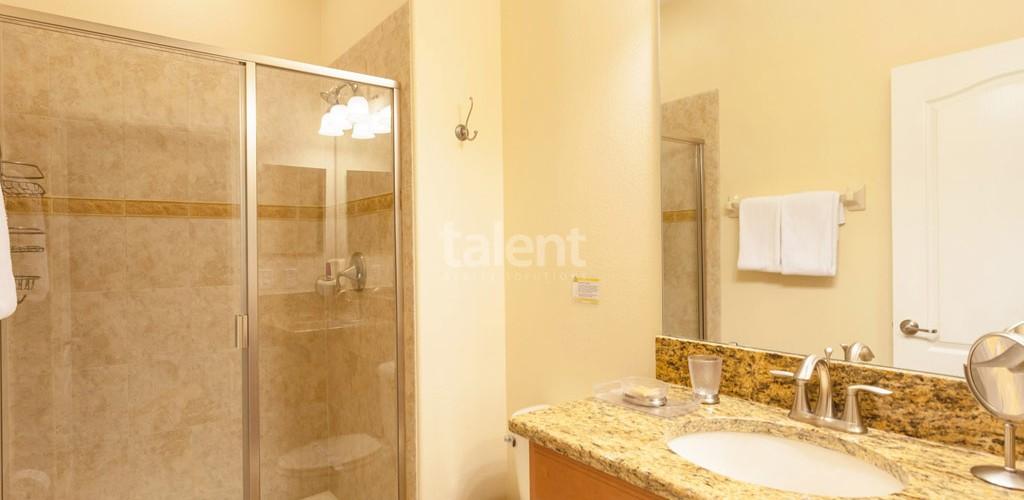 Casas a venda em Orlando banheiro