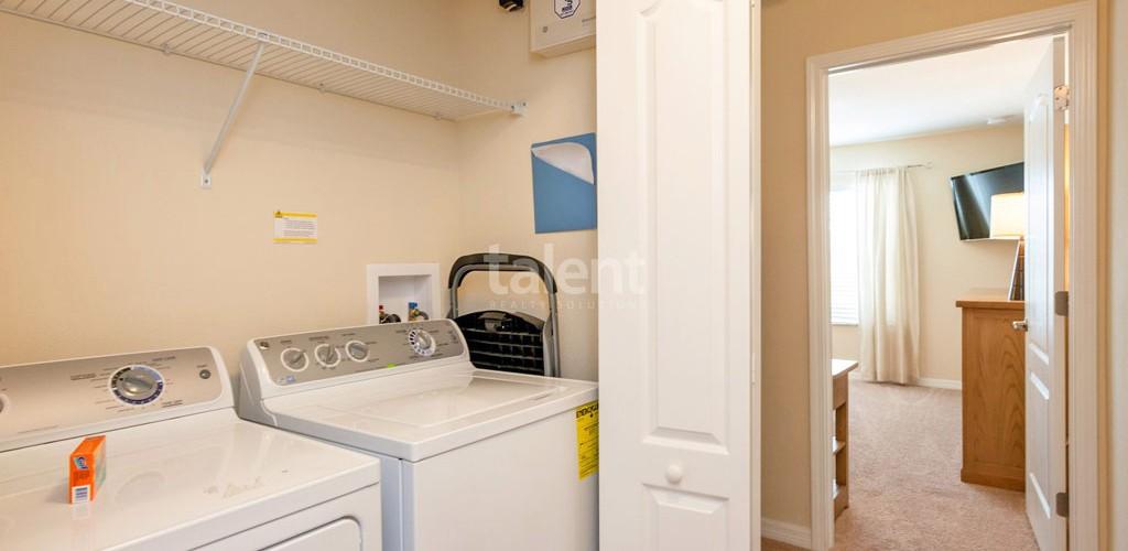 Casas a venda em Orlando lavanderia