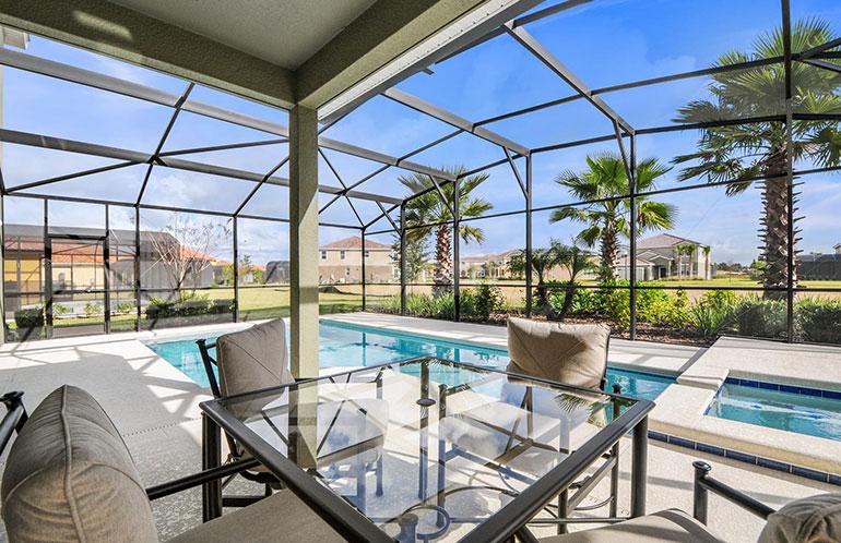 Casa a venda em Orlando, Condomínio Solterra - Piscina