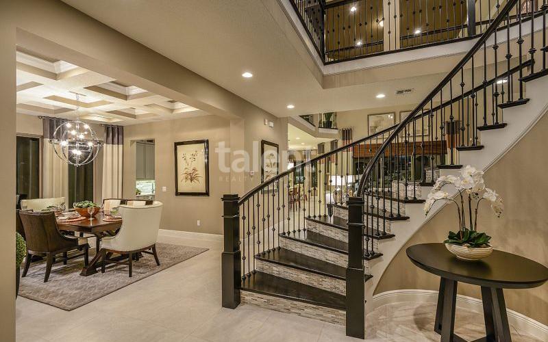 Enclave at VillageWalke - Novo condomínio em Orlando Hall de entrada