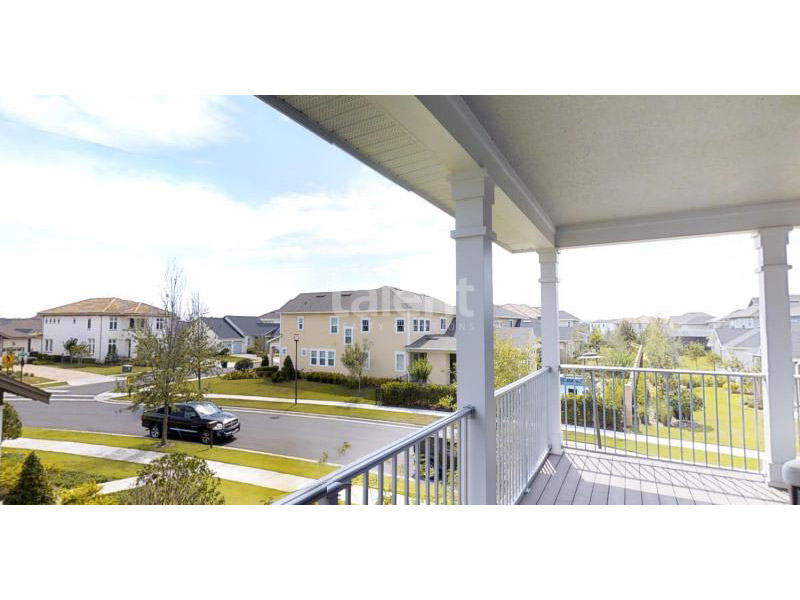Laureate Park Lofts - Casas em Orlando com ótima localização Varanda