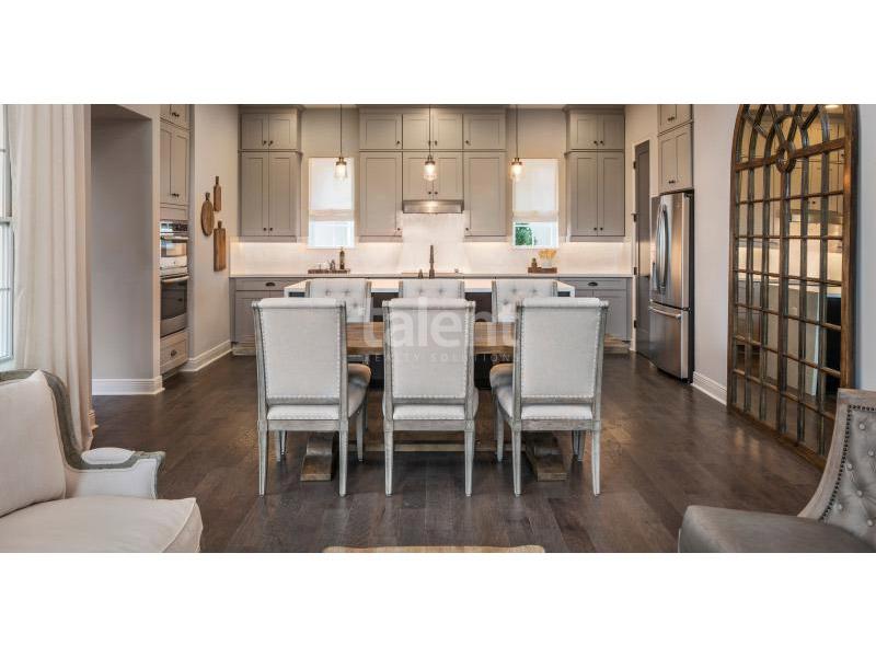 Laureate Park Lofts - Casas em Orlando com ótima localização Mesa de jantar
