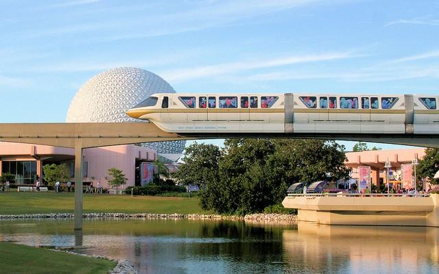 Orlando em crescimento vive era de expansão em aeroporto, estradas e ferrovias