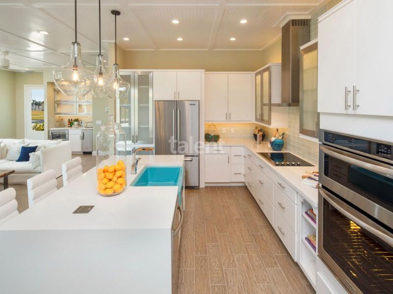 Reunion Resort - Lugar perfeito para comprar casa em Orlando Mesa de Cozinha