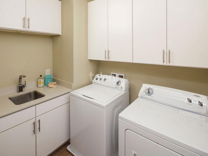 Reunion Resort - Lugar perfeito para comprar casa em Orlando Área de serviço
