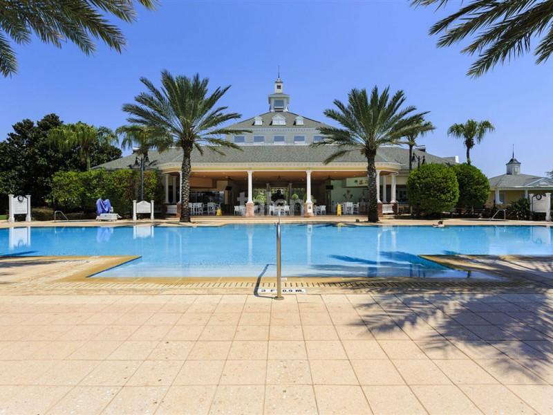 Reunion Resort - Lugar perfeito para comprar casa em Orlando Piscina condomínio