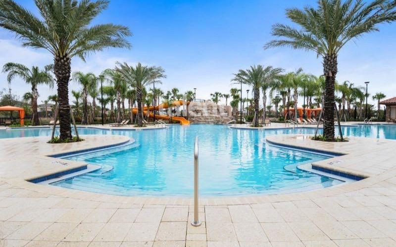 Solterra Resort - Townhouses, Casas em Orlando região da Disney Piscina condomímio