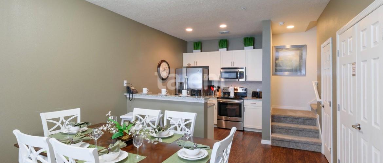West Lucaya Village Resort - Ótimo investimento para temporada em Orlando Mesa de jantar