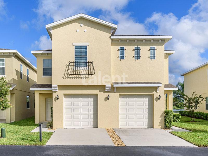 Bridgewater - Comprar casa em Orlando em frente ao lago Fachada