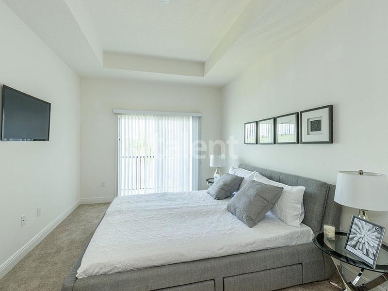 Bridgewater - Comprar casa em Orlando em frente ao lago Quarto 1