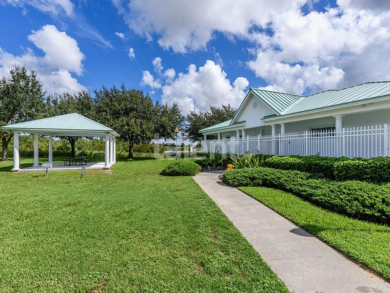 Bridgewater - Comprar casa em Orlando em frente ao lago Área condomínio