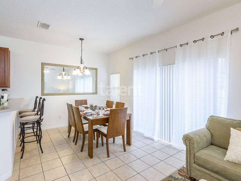 BellaVida Resort - Casa a venda em Orlando Mesa de jantar