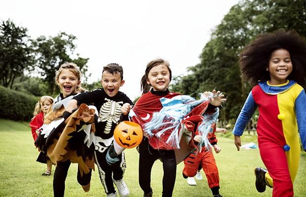 Você sabe a origem do Halloween e o significado dessa festa?